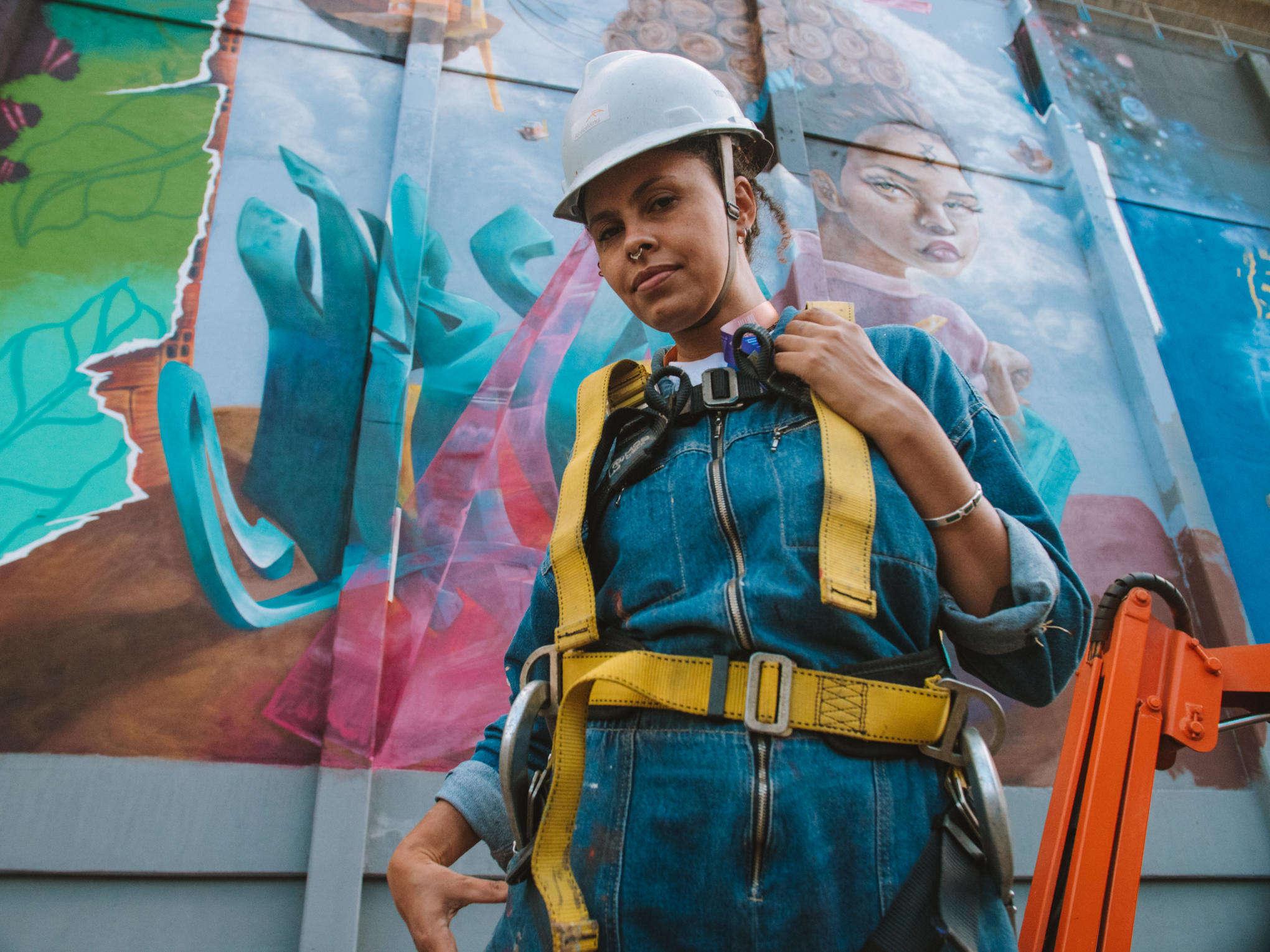 Projeto de democratização da arte de rua reuniu 14 artistas para pintar 2.000m² de muro e transformar o cotidiano de João Monlevade